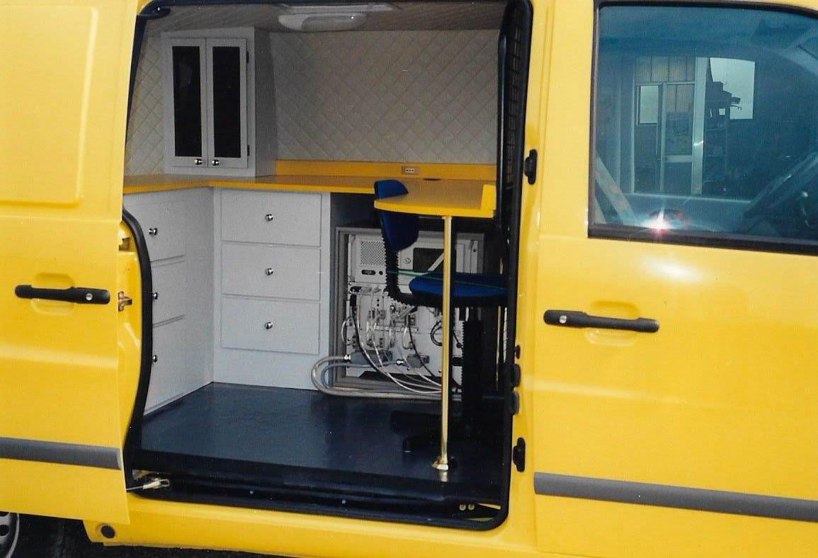 Ufficio-mobile-su-Mercedes-2