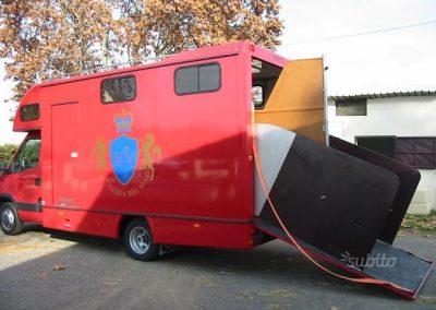 Van trasporto cavalli su Iveco Daily 35-17