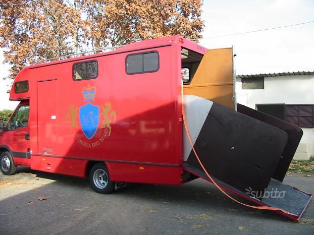 Van trasporto cavalli su Iveco Daily 35-17 (5)