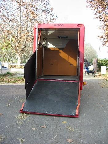Van trasporto cavalli su Iveco Daily 35-17 (6)