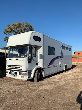 IVECO - Trasporto 6 cavalli - esterno 2
